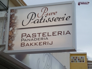 Pastelería-Café-Bar