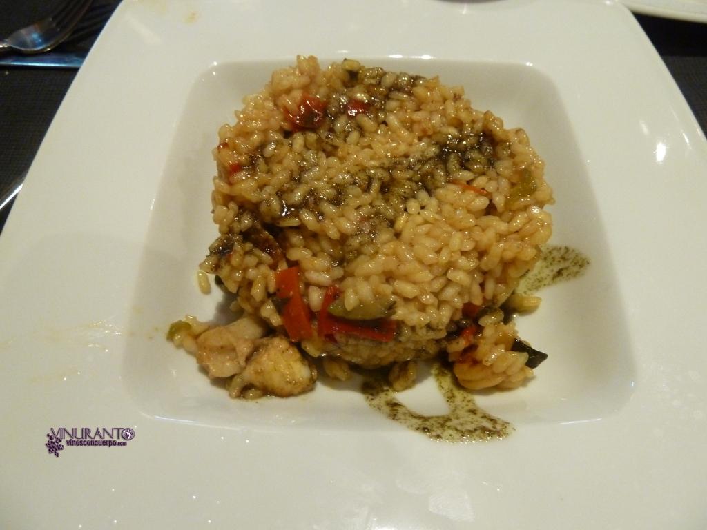 Un arroz de buen sabor pero le faltaba un punto.