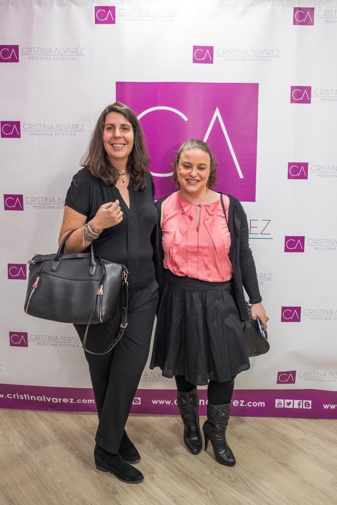 Nuria (izquierda) y Virginia (derecha) más conocidas como Las Chicas del Vino.  © Diabea Comunicaciones, Beatriz Tudanca.