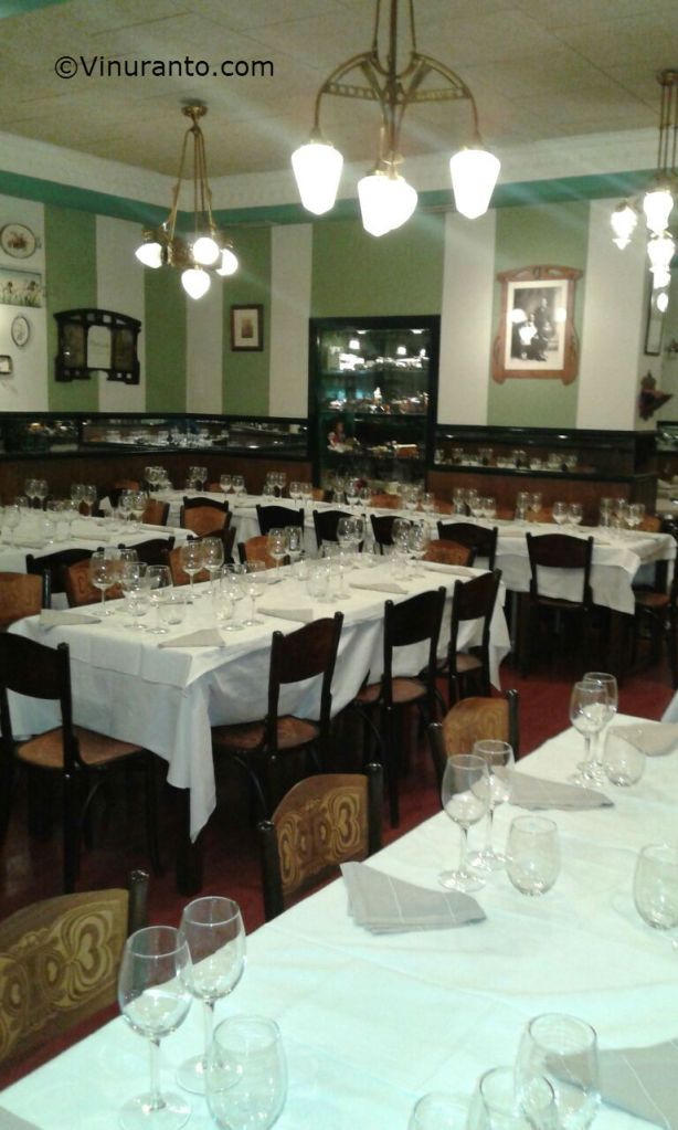Salon Restaurante Manolo.