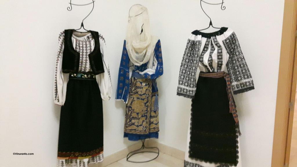 Trajes tradicionales de Rumania.